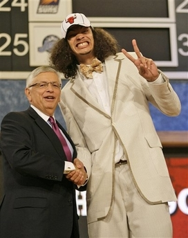 2007_06_sports_joakim_noah_draft.jpg