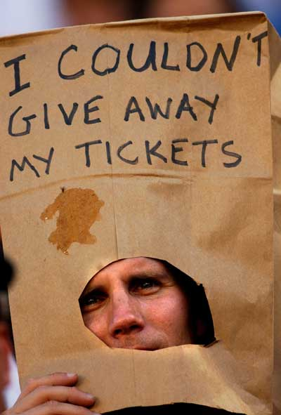 sports-fan-paper-bag-head.jpg