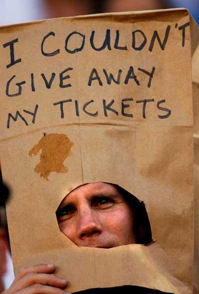 sports-fan-paper-bag-head.jpg